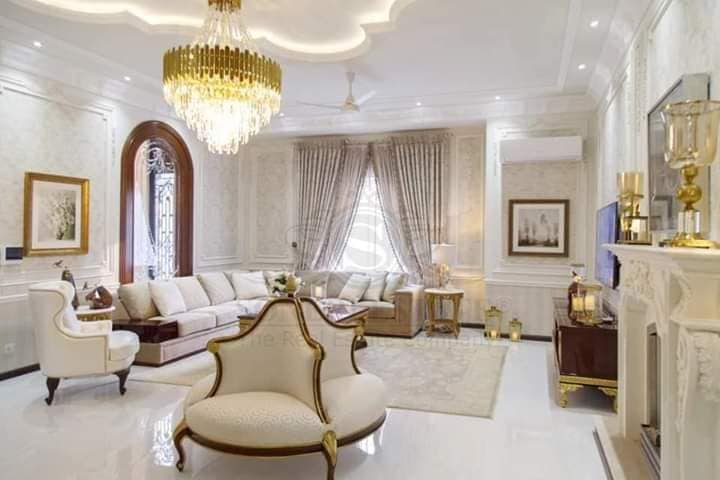 2-kanal Bungalow for sale in Dha Phase 5