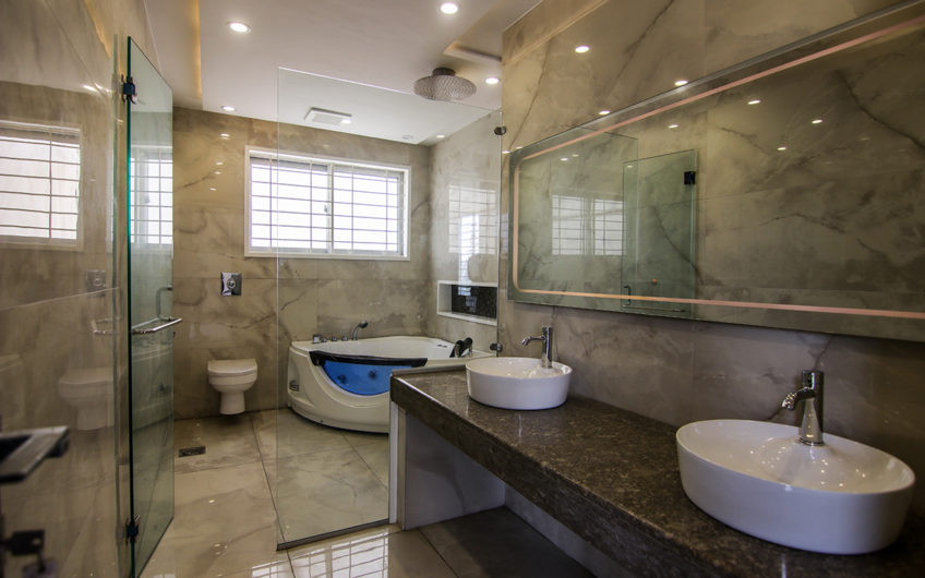 1 kanal House For Sale in HH Phase 4 Dha Lahore